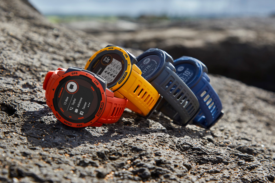 garmin instinct can be charged by the sun